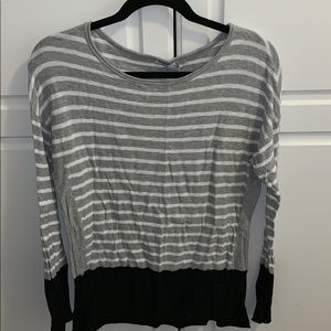 Very good condition Vince sweater - size small